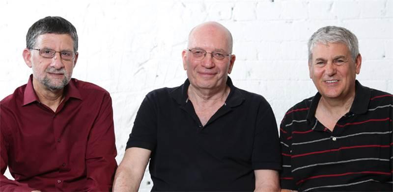 מימין לשמאל: גיל אמיד סמנכל תפעול ופיתוח עסקי , יואב הולנדר CTO, זיו בנימיני מנכל / צילום: דרור סיתה