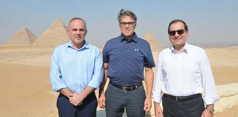 """טארק אל מולא ריק פרי ויובל שטייניץ. שרי האנרגיה של מצרים, ארה""""ב וישראל/  צילום: דוברות משרד האנרגיה"""