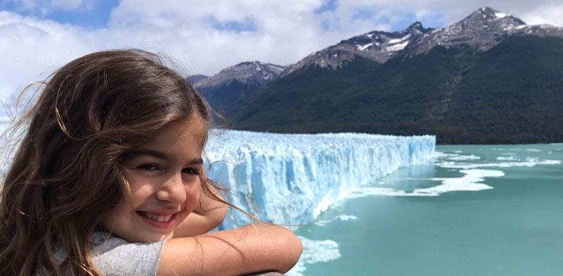 אופיר והקרחון המתנפץ / צילום: פרטי