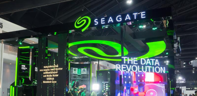 דוכן תצוגה של סיגייט (Seagate Technology) / צילום: Shutterstock, א.ס.א.פ קריאייטיב