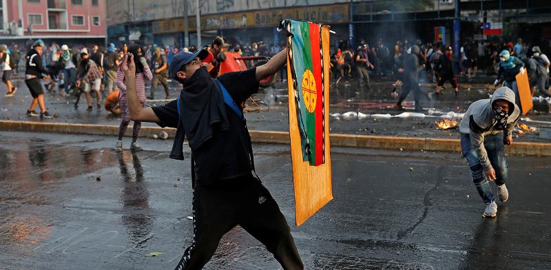 הפגנה בסנטיאגו, צ'ילה  / צילום: Jorge Silva, רויטרס