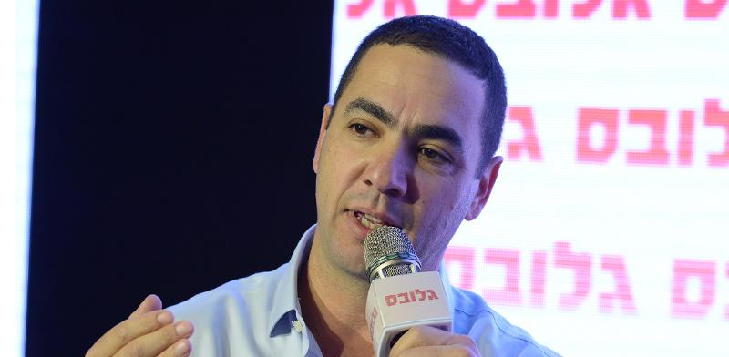 """אלעד קומיסר, מנכ""""ל שטראוס קפה ישראל, בכנס """"עושים שוק"""" / צילום: איל יצהר, גלובס"""