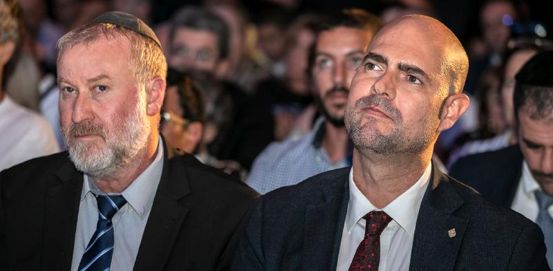 אמיר אוחנה ואביחי מנדלבליט / צילום: כדיה לוי