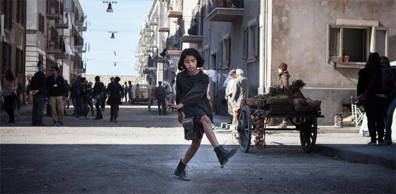 """סצנה מסדרת הטלוויזיה """"החברה הגאונה"""", שמבוססת על סדרת הספרים של אלנה פרנטה / צילום: באדיבות הוט"""