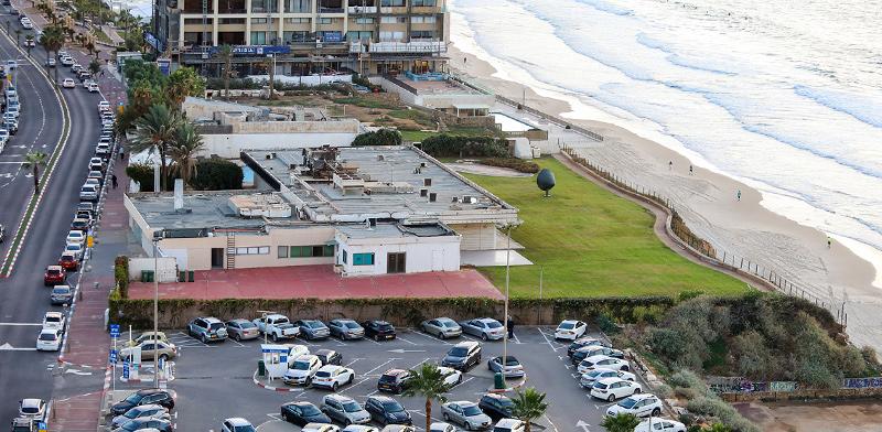 מלמטה: החניון, בית השגריר הקובני והמגרש שצמוד אליו / צילום: שלומי יוסף