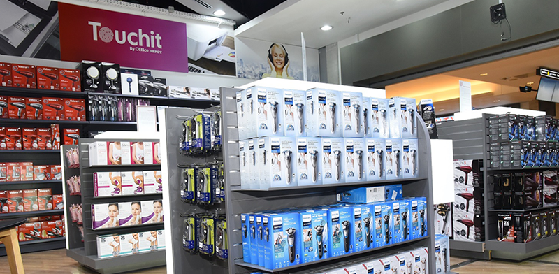 רשת אופיס דיפו משיקה את שתי חנויות הדיוטי פרי החדשות בנתב''ג / צילום: מורג ביטן