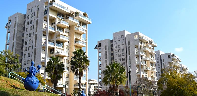 פארק רייספלד בקריית אונו. דירת 5 חדרים בשכונה כבר עולה 3.5 מיליון שקל / צילום: בר אל