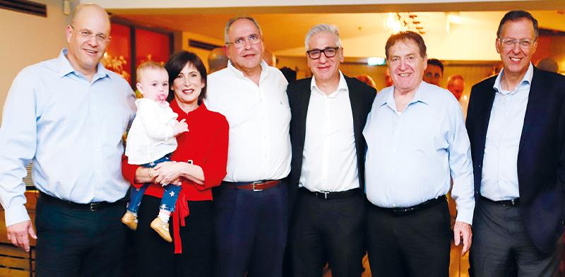 ז'קי בר, רוני קוברובסקי, אמיר חייק, יריב שפירא, נחמה רונן, ויורם שגיא / צילום: יוני רייף