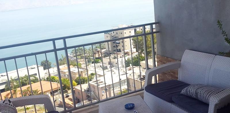 """דירת 3 חדרים בטבריה, עם נוף לכנרת / צילום: יח""""צ"""