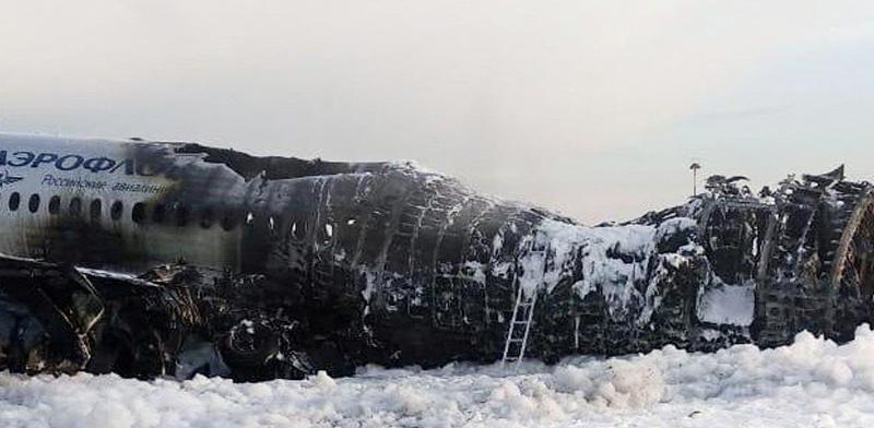 """המטוס של אירופלוט לאחר שכובתה האש / צילום: City News """"Moskva"""""""