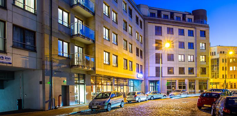 """בית המלון """"פארק אין"""" של חנן מור בעיר פוזנן, פולין / צילום: SØREN DAM THOMSEN"""