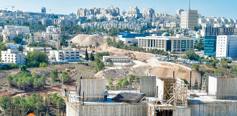 """פרויקט מחיר למשתכן בשכונת  רמת שלמה. """"אלפי נרשמים להגרלה"""" / צילום: רפי קוץ"""