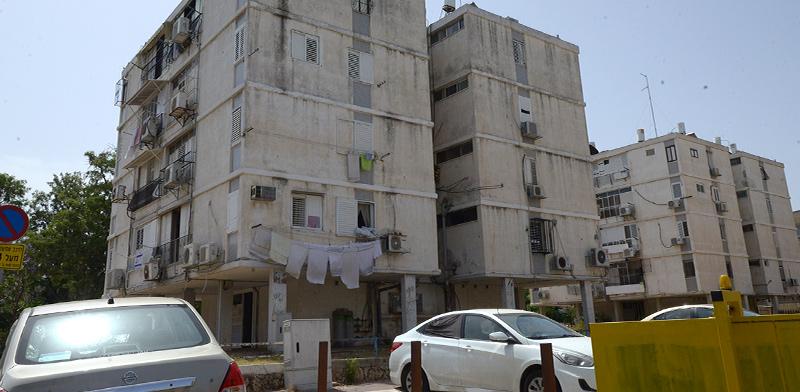 הבניינים ברחוב עין יהב, חולון / צילום: איל יצהר, גלובס