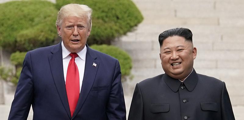 """נשיא ארה""""ב דונלד טראמפ ושליט צפון קוריאה, קים ג'ונג און, בפגישה בצפון קוריאה / צילום: רויטרס"""