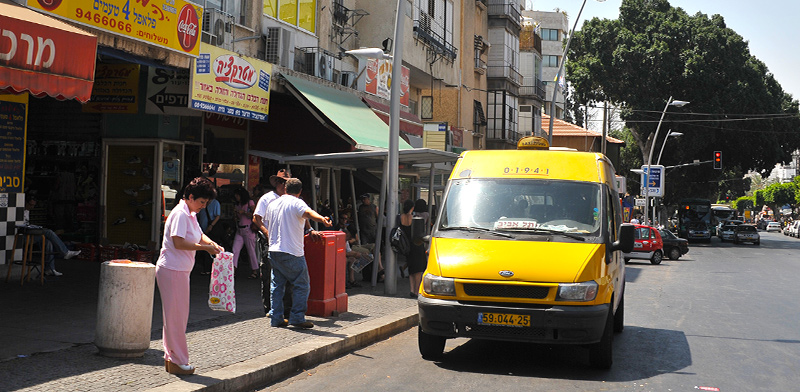 מונית שירות. כלי יעיל להתמודדות עם הפקקים והעומס בכבישים / צילום: תמר מצפי