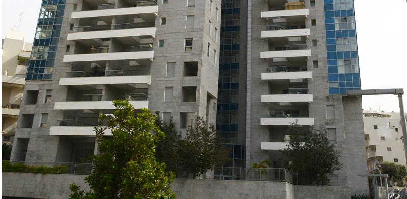 בניין חדש בגבעתיים / צילום: איל יצהר, גלובס