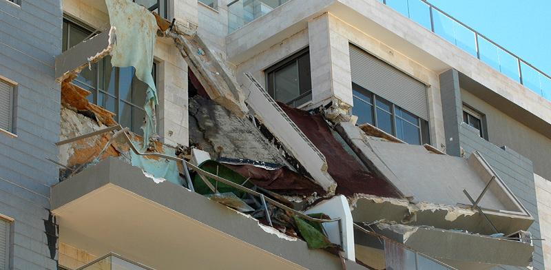 קריסת המרפסות בפרויקט של אורתם סהר בחדרה / צילום: גיל ארבל