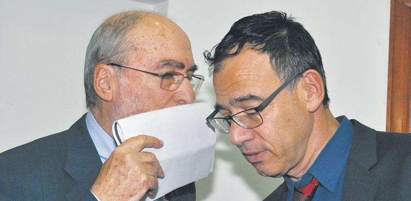 פרקליט המדינה שי ניצן ונשיא העליון לשעבר, השופט בדימוס אשר גרוניס / צילום: יוני המנחם