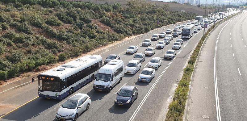 פקק על כביש 471 / צילום: גיא ליברמן