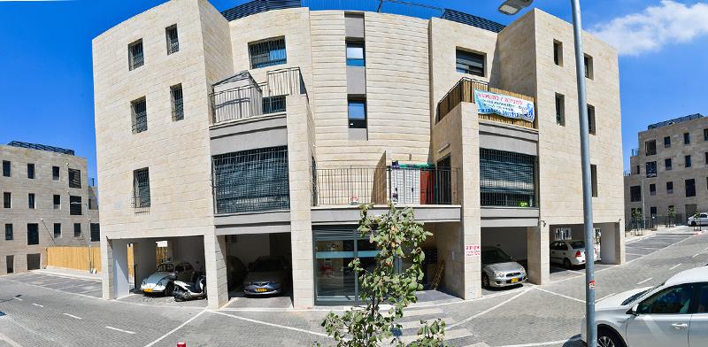 בניין של קבוצת רכישה / צילום: רפי קוץ