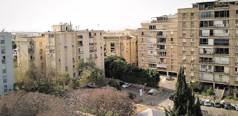 בניינים ישנים בתל אביב / צילום: קלר וויליאמס