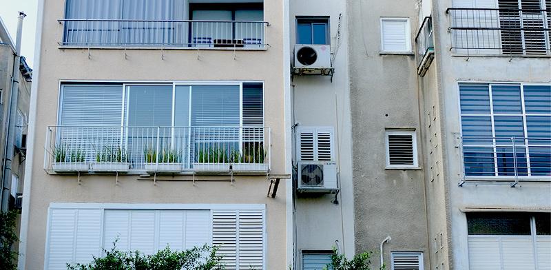 הבניין ברחוב ישעיהו 50 בתל-אביב / צילום: איל יצהר, גלובס