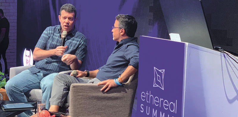 """תומר בראל מ־Calibra (משמאל) ואוריאל אוחיון מ־Zengo בכנס Ethereal בתל אביב / צילום: יח""""צ Consensys"""