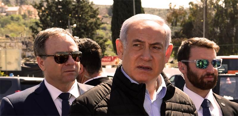 נתניהו במקום הפיגוע באריאל / צילום: אריאל חרמוני, משרד הבטחון