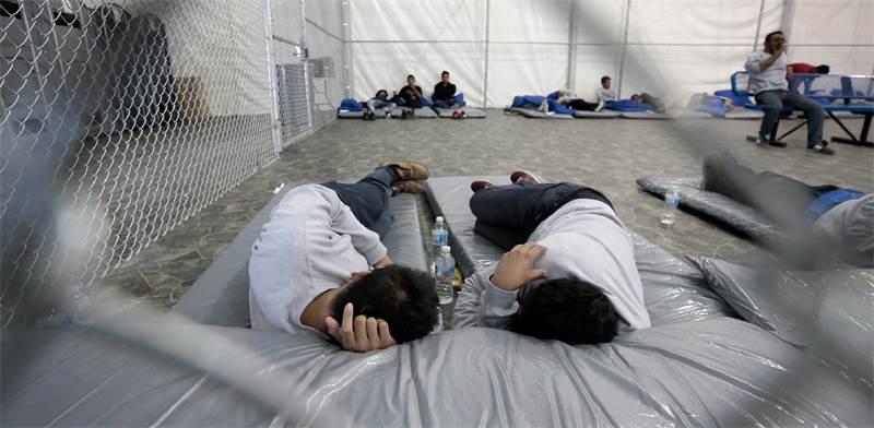 """מחנה מעצר למהגרים בארה""""ב / צילום: USA TODAY NETWORK, רויטרס"""