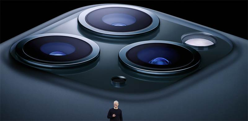 טים קוק משיק את אייפון 11 / צילום: סטיבן לאם, רויטרס
