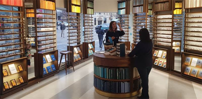 """חנות של Warby Parker / צילום: יח""""צ"""