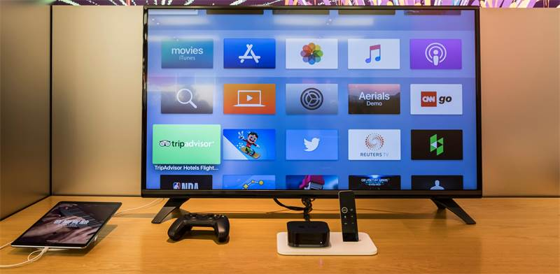 טלוויזיה עם ממיר Apple TV / צילום: Shutterstock.com