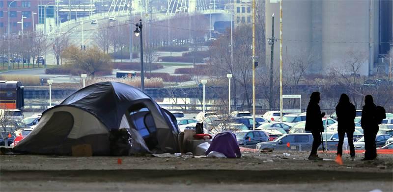 מאהל מחוסרי בית במילווקי / צילום: Rick Wood, רויטרס