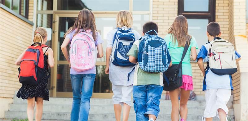 דעה: הורים, תתעוררו - חטיבת ביניים אינה פסק זמן לילדים