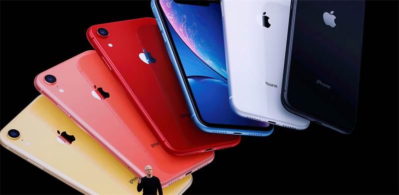 טים קוק מציג את האייפון 11 / צילום: סטיבן לאם, רויטרס