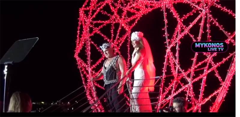 חגיגות עשור לנישואין של עידן ובתיה עופר במיקונוס / צילום: צילום מסך מתוך news 24-7