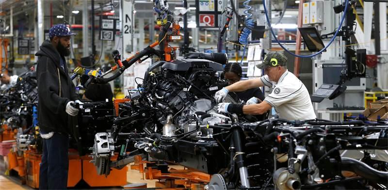 """מפעל של פיאט בארה""""ב / צילום: Rebecca Cook, רויטרס"""