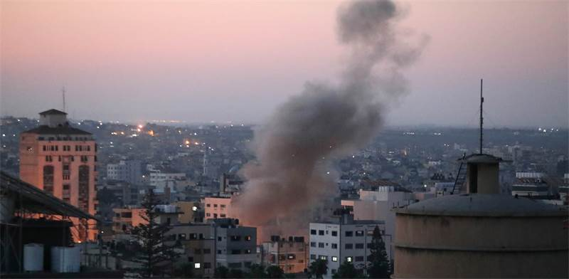 IDF attacks Gaza / Photo: REUTERS/Mohammed Salem