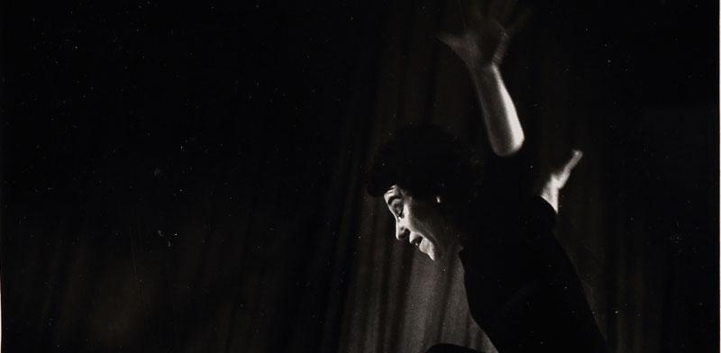 דבורה ברטונוב בתצלום של מירלין ירון / הצילום באדיבות הספריה הלאומית