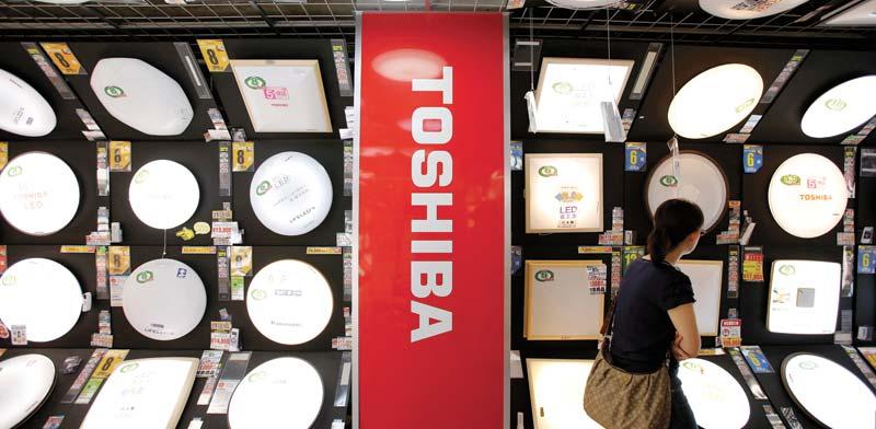 מוצרי טושיבה בחנות אלקטרוניקה בטוקיו, יפן / צילום: רויטרס, Toru Hanai