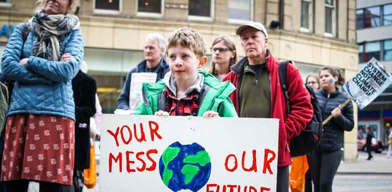 מפגיני SchoolStrike4Climate בשפילד  / צילום: GettyImages ישראל