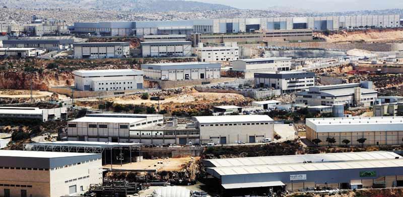 אזור התעשייה ברקן / צילום: אלון רון