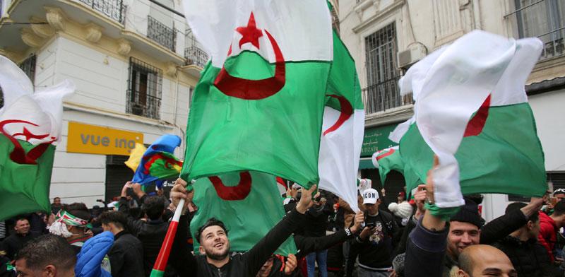 הפגנה נגד הנשיא בוטפליקה/Ramzi Boudina , צילום: רויטרס