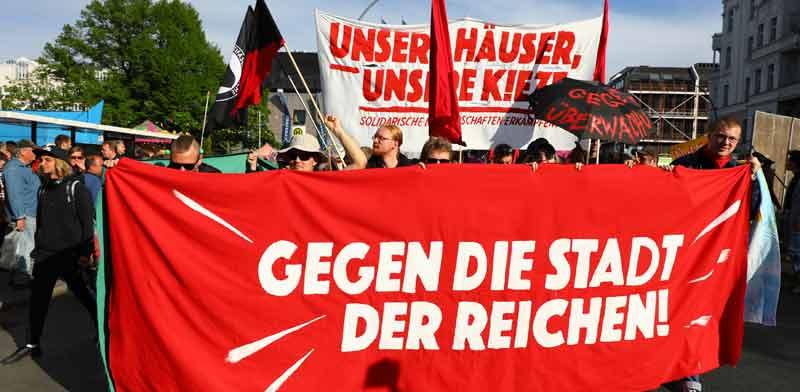 הפגנה בברלין נגד עליית מחירי השכירות / צילום: רויטרס, Christian Mang