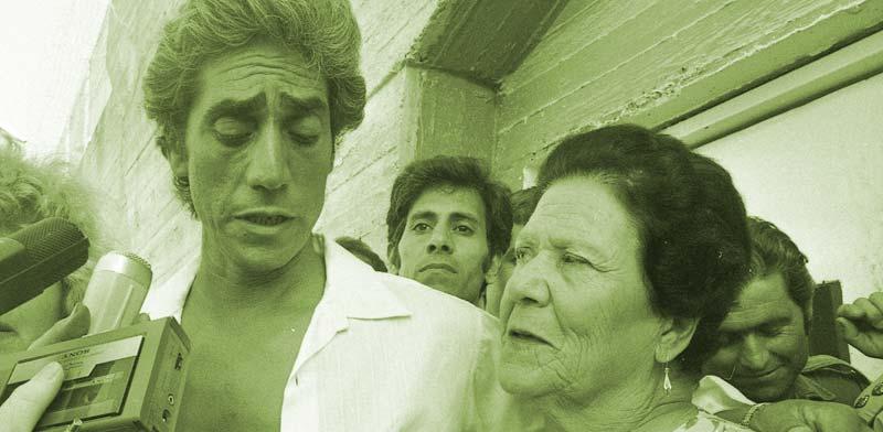 """עמוס ברנס משתחרר מהכלא ב–2002 / מתוך סרטו של יצחק רובין """"רצח לכל החיים"""""""