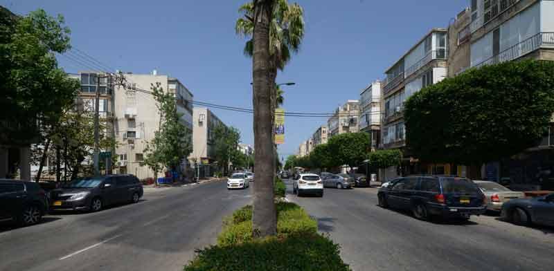 רחוב כצנלסון בגבעתיים. אחד המתחמים שבהם הבנייה צפויה להיעצר / צילום:  איל יצהר