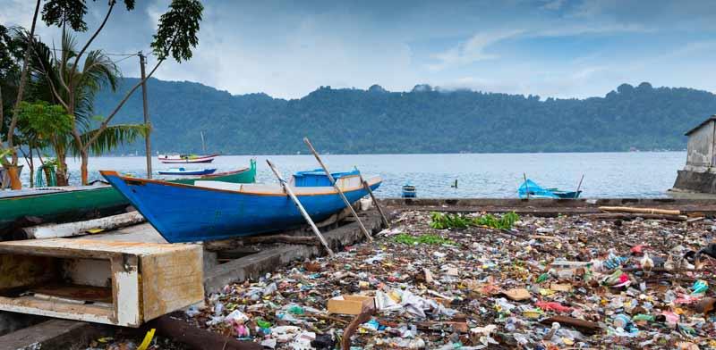 זיהום בחופים / צילום: Shutterstock, א.ס.א.פ קריאייטיב