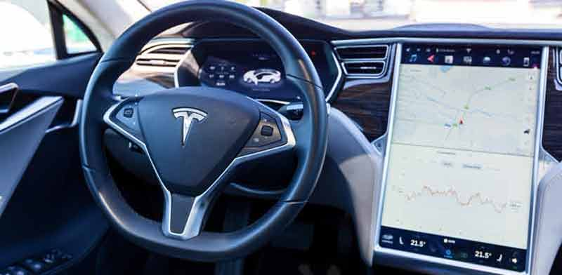 Tesla control system Photo: Shutterstock ASAP Creative