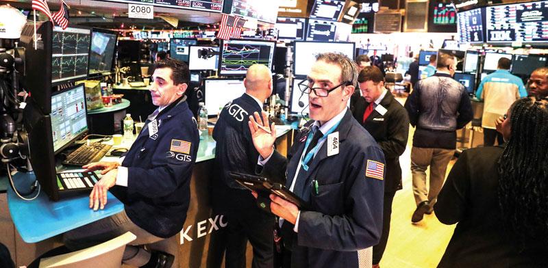 סוחרים בבורסה של ניו יורק/  צילום: רויטרס, Jeenah Moon