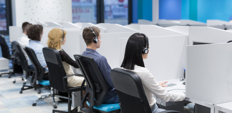 מרכז מכירות טלפוניות / צילום:  Shutterstock/ א.ס.א.פ קריאייטיב